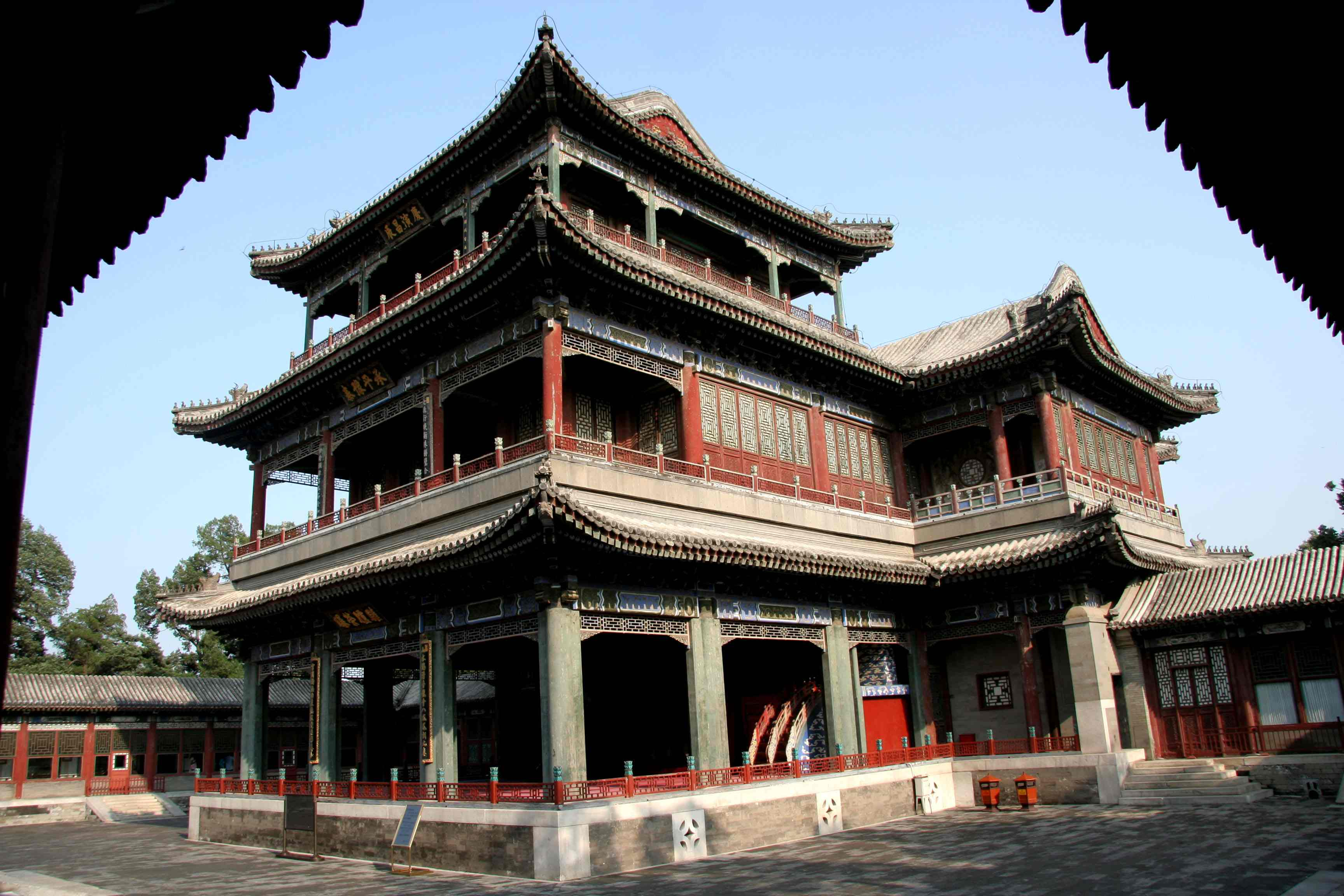 http://ewh.ieee.org/conf/ius_2008/lu_images/plenary_06_stage_de_he_yuan_summer_palace.jpg