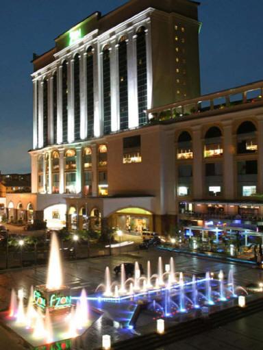 Zon Regency Hotel  Aced 2012. Econo Lodge Hotel. Crowne Plaza Columbus Hotel. Jm Suites Hotel. Blue Horizon Resort Apartments. Grande Da Barra Hotel. Palm Meadows Club. Van Der Valk Hotel Leiden. San Agustin Exclusive Hotel